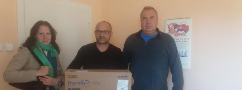Předání čističky vzduchu v Českém Dubu